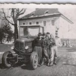 muzi s traktorem